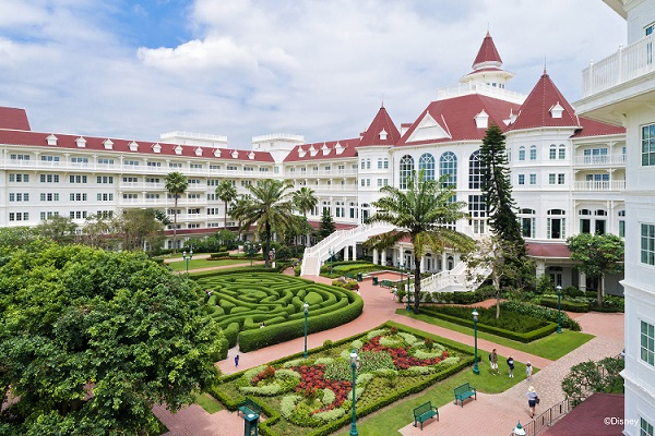hong kong disneyland hotel staycations